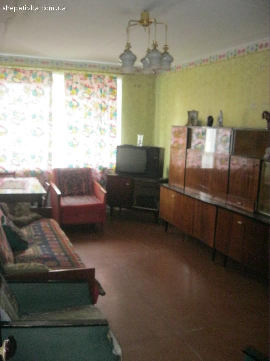 2-кімнатна квартира, вул. Героїв Небесної Сотні
