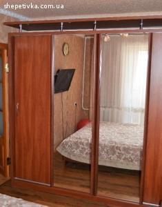4-х дверна шафа-купе у гарному стані