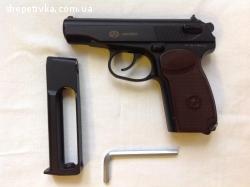 Б/у Пневматичний газобалонний пістолет Макаров, гарний стан