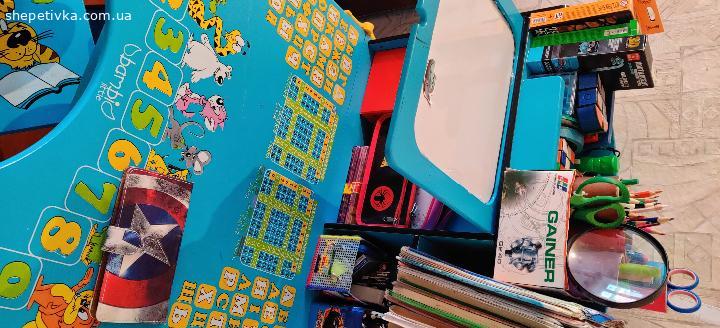 Дитячий стіл