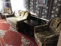 Диван та два крісла