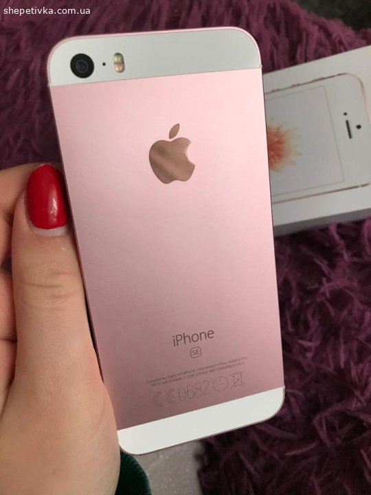 iPhone SE , 32 гб