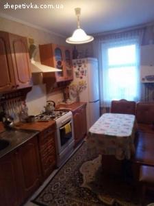 Продам 3-кімнатну квартиру в центрі