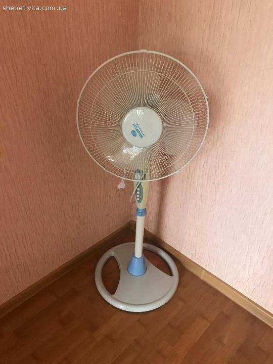 Продам б/у вентилятор