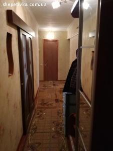 Продам простору 3-кімнатну квартиру на вул. Шешукова,13а