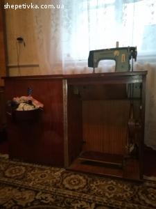 Продам швейну машинку Чайка-2