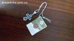 Продам срібний хрестик та шкіряний ланцюжок .