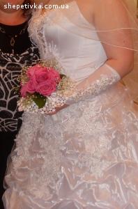 Продам весільну сукню з прикрасами