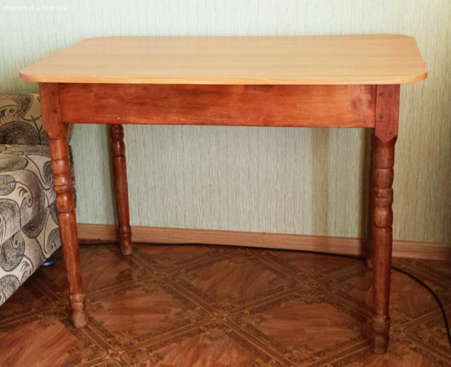 Різьблений кухонний стіл з дерева ручної роботи