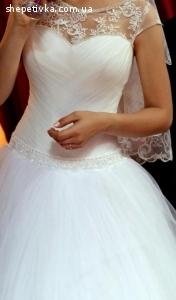 Весільна сукня в чудовому стані