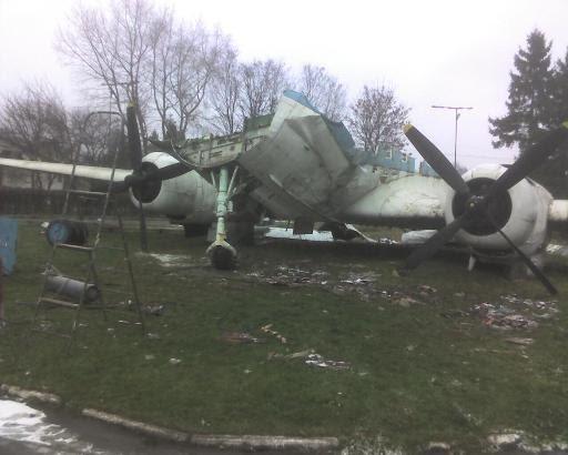 Раритетні фотки демонтажу шепетівського літака