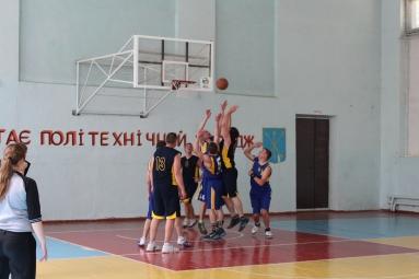 Чемпіонат області із баскетболу серед чоловічих команд 2017-05-22