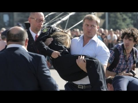 Дівчатка-інспектори славутської поліції порушують ПДР. 8 березня