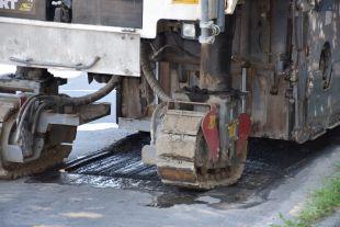 На вулиці Українській почався ремонт дороги, на інших вулицях наносять розмітку