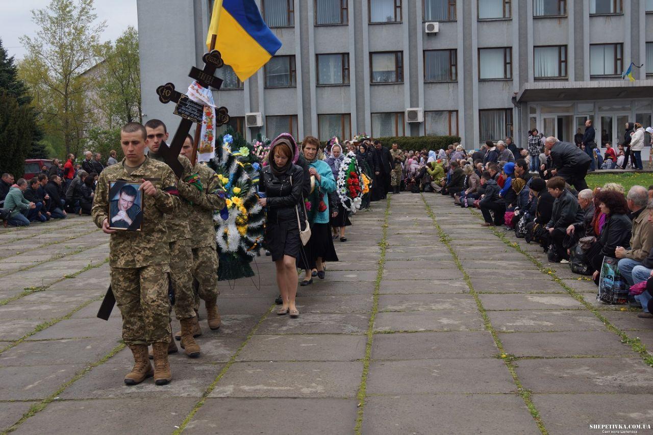 За минувшие сутки погибших нет, ранены трое украинских воинов, - спикер АТО - Цензор.НЕТ 8372