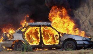 Вкрали автомобіль щоб покататися, а потім його спалили