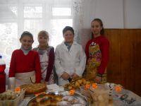 У шепетівській школі №3 провели благодійний ярмарок доВсесвітнього дня доброти