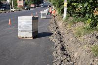 На шепетівських дорогах та тротуарах тривають ремонти