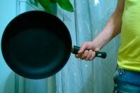 Обурений покупець бив продавця фарфоровим посудом і сковорідкою